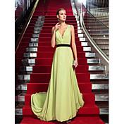 TS Couture フォーマルイブニング ドレス - オープンバック セレブスタイル タイト/コラム Vネック スイープ/ブラシトレーン シフォン とともに レース サイドドレープ