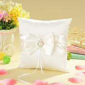 travesseiro anel em cetim marfim com arco e pérola de falso
