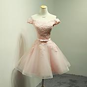 ドレスでリボン付きのドレスオフショルダー/ミニオーガンザの花嫁介添人ドレス