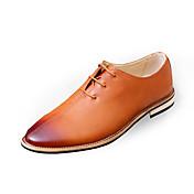Hombre Zapatos PU Primavera Otoño Confort Zapatos formales Oxfords Con Cordón Para Casual Negro Gris Marrón Rojo