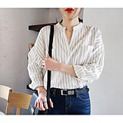 韓国のカジュアルなカジュアルストライプルーズなVネックのシャツポケット