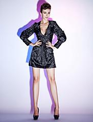 TS Couture Koktejlový večírek Dovolená Šaty - Styl celebrit Malé černé šaty Pouzdrové Do V Krátký / Mini Elastický satén sBoční řasení