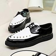 Men's  Low Heel Comfort Oxfords Shoes With Rivet