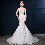 Trumpet / Mermaid Wedding Dress Court Train V-neck Lace / Tulle / Charmeuse with