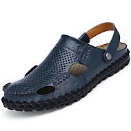Herre Tøfler og flip-flops Komfort Lær Sommer Avslappet Gange Komfort Nagle Flat hæl Svart Brun Blå 5 - 7 cm