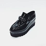 Dame 一脚蹬鞋、懒人鞋 Komfort Lakklær Vår Høst Fritid Kilehæl Svart Mørkegrå 2,5 - 4,5 cm