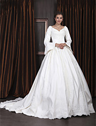 Ball Gown Plus Sizes Wedding Dress - Ivory Chapel Train V-neck Satin