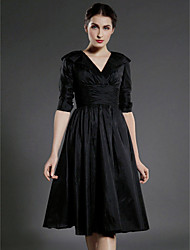 A-line Plus Sizes / Petite Mother of the Bride Dress - Black Knee-length Half Sleeve Taffeta