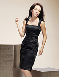 Knee-length Stretch Satin Bridesmaid Dress - Black Plus Sizes / Petite Sheath/Column Square