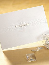 Não personalizado Dobrado no Topo Convites de casamento Cartões de convite Estilo Artístico / Estilo Clássico / Estilo ModernoPapel