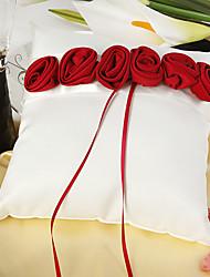 oreiller anneau blanc de luxe rouge et en gras ont augmenté bordée