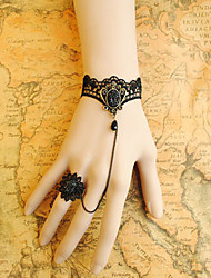 main dentelle noir obsidienne couronne gothic lolita bracelet