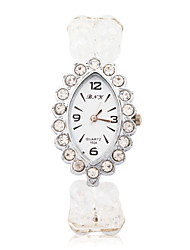 Quartz Movement Oval Shape with Crystal Bracelet Watch