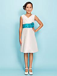 Lanting Bride Knee-length Taffeta Junior Bridesmaid Dress A-line / Sheath / Column V-neck Natural withFlower(s) / Sash / Ribbon / Side