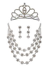 triple collier de mariage volet strass avec boucles d'oreilles et tiare