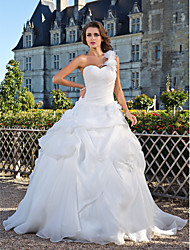 Lanting Bride Ball Gown Petite / Plus Sizes Wedding Dress-Floor-length One Shoulder Organza