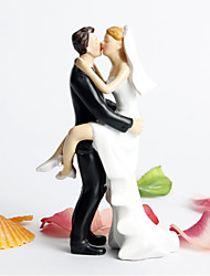 Cake Topper Non-personalized Classic Couple Resin Bridal Shower / Wedding White / Black Garden Theme / Classic Theme Gift Box