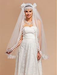 Elegant One-tier Fingertip Wedding Veils With Lace Applique Edge