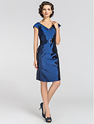 Sheath/Column Plus Sizes / Petite Mother of the Bride Dress - Royal Blue Knee-length Short Sleeve Taffeta