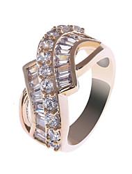 Élégant en alliage de cuivre CZ Diamond Rings