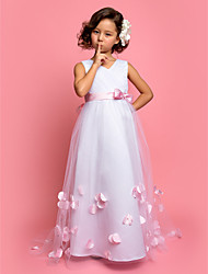 A-line Princess Sweep / Brush Train Flower Girl Dress - Satin Tulle V-neck with Beading Bow(s) Flower(s) Sash / Ribbon