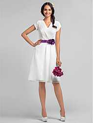 Lanting Bride® Knee-length Chiffon Bridesmaid Dress - A-line V-neck Plus Size / Petite with Flower(s) / Sash / Ribbon / Criss Cross
