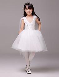 Formal Evening/Wedding Party Dress - Ivory A-line V-neck Knee-length Satin/Tulle