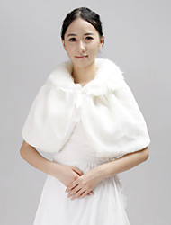 Fur Wraps / Wedding  Wraps Capelets Half-Sleeve Faux Fur White Wedding / Party/Evening / Casual