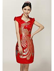 Cuatro estaciones Árboles Moda corto vestido Cheongsam (diseño de bordado al azar)