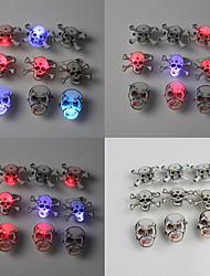 Skull Shape Hot Halloween Médaille diable (couleur aléatoire)