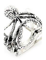 Fashion Ring Vintage Hollow (couleur aléatoire)