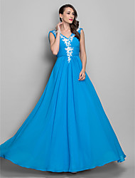 TS Couture® Prom / Formal Evening / Military Ball Dress - Elegant Plus Size / Petite A-line / Princess V-neck Floor-length Chiffon withAppliques /