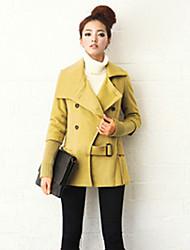 Traum-Frauen-Art-Taillierung Zweireiher Kurz Tweed-Mantel (Gelb)