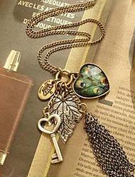 (1 Pc) Vintage (Heart Pendant) Golden Alloy Pendant Necklace(Golden)
