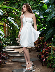Lanting Bride® Sheath / Column Petite / Plus Sizes Wedding Dress - Reception Little White Dresses Knee-length One Shoulder Chiffon with