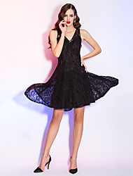 Cocktail Party / Holiday / Homecoming Dress - Black Plus Sizes / Petite A-line V-neck Asymmetrical Lace