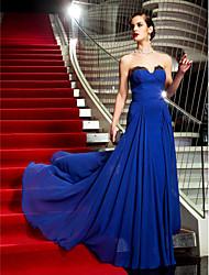Robe - Bleu royal Soirée formelle/Bal militaire A-line Sans bretelles Balayage / pinceau train Crêpe Grandes tailles