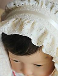 Cappello di colore solido della ragazza