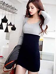 Mini vestido de manga larga de las mujeres