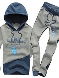 Männer Kontrast Farbe Brief drucken Hoodies-Sweatshirts Kleidung Sets