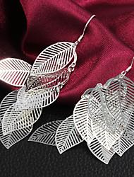 Boucles d'oreilles pendantes de vente chaude de haute qualité élégantes feuilles en alliage de femmes (1 paire)
