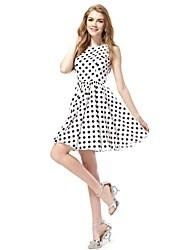 Stilvolle Schwarzweiss-Polka-gepunktete Kurzer Sommer Casual Dress