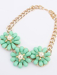 Maki Flower Exaggerate Fresh Green Necklace