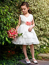 Ball Gown / Princess Knee-length Flower Girl Dress - Satin / Tulle Sleeveless Scoop with Flower(s)