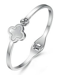Belles coquilles de mode Mme trèfles de Bonheur Ensemble Auger Titanium Bracelets