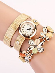 C & D de mode de femmes mis tarière fleur rivet bracelet des femmes habillent la montre XK-156