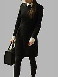 El temperamento de las mujeres de cultivan su moralidad Mostrar Thin Lapels Classic Negro y vestido blanco en