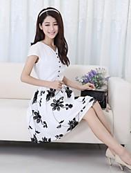 Estilos Luto Nuevo 2014 verano coreano Mujeres camiseta de manga corta de gasa vestido de Medio