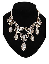 papillon de mode de collier de diamants de dossard des femmes
