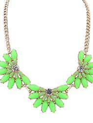 Women's EU&US Clear Fashion Flowers Assemble Bib Statement Necklace (More Colors)(1 pc)